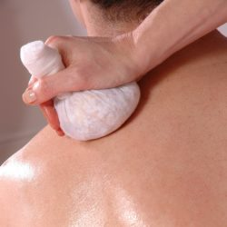 Ayurvedic Hot Poultice Massage